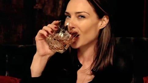 fille-whisky